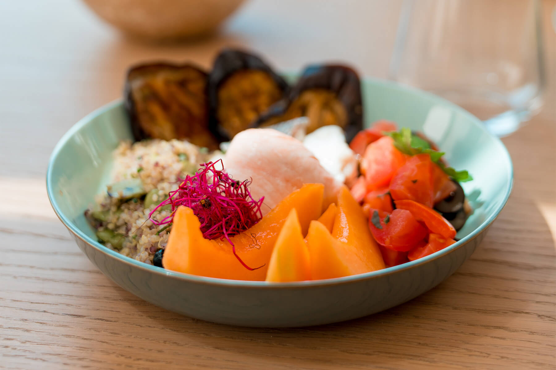 BOWL Maigre au taboulé de quinoa & fève